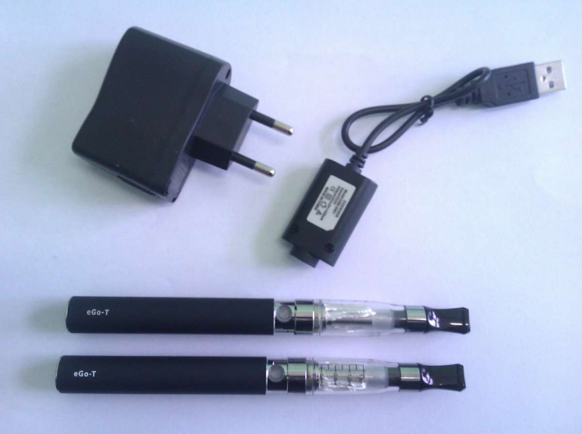 Elektronická cigareta eGo CE4 900 mAh 2ks