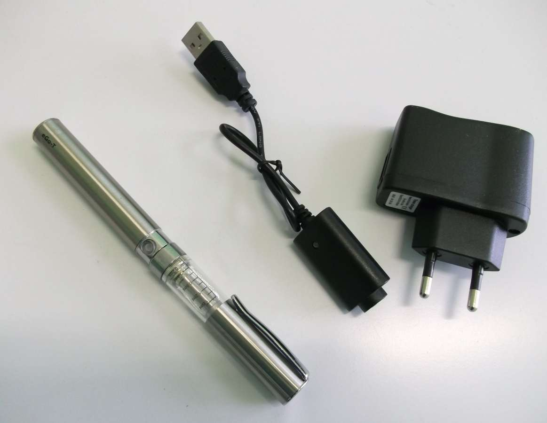 Nerezová Elektronická cigareta eGo K2 1100 mAh s krytkou clearomizeru