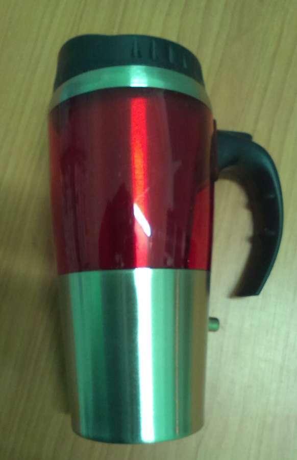 Cestovní červený nerezový termohrnek do auta NAVA na 12 V plast. víčko, červený